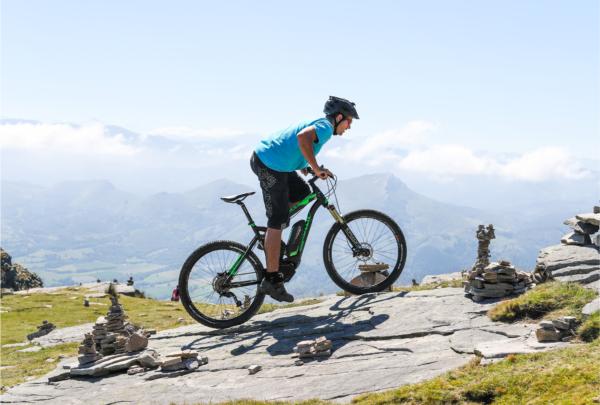 electric-mountain-bike-hire-biarritz-anglet-bayonne-les-roues-de-lilou