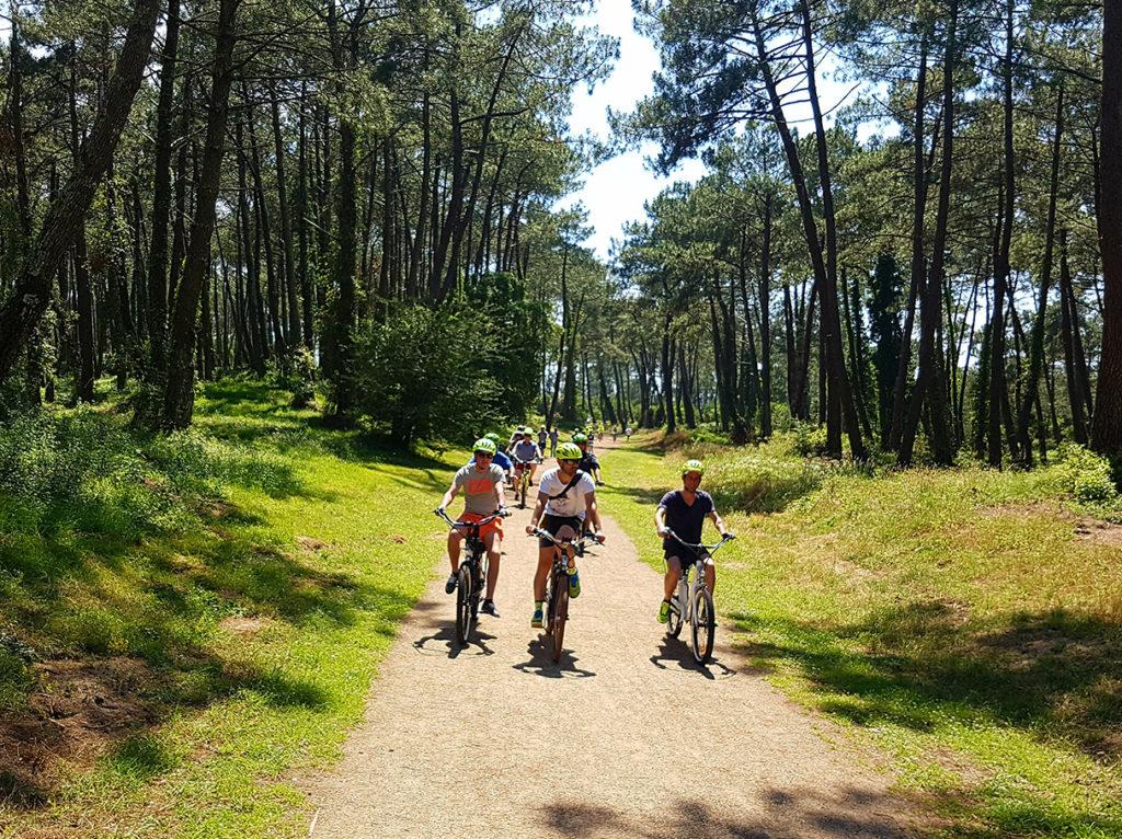 visites-guidee-biarritz-anglet-en-velos-electriques-les-roues-de-lilou